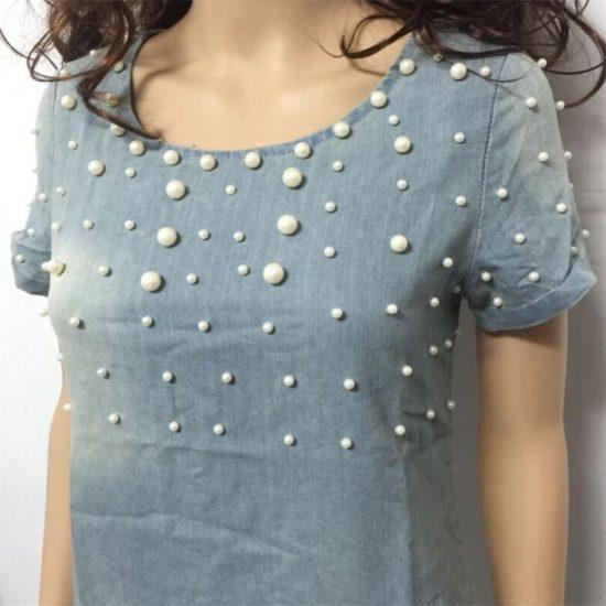 Джинсовое платье с бусинами