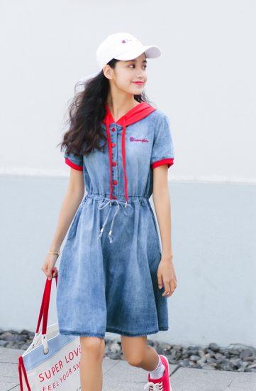 Джинсовое платье с тканевой окантовкой
