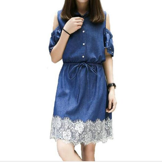 Джинсовое платье с кружевами