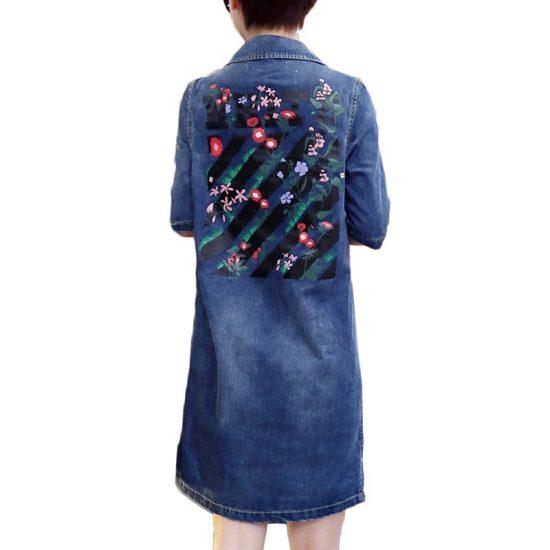 Джинсовое платье с рисунком
