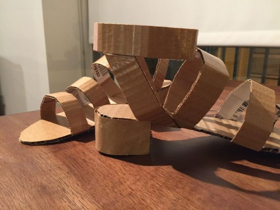 обувь из картона