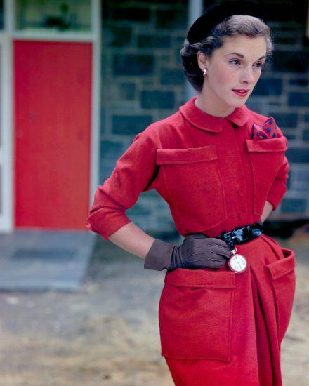 Закрытое платье в стиле 40-ых