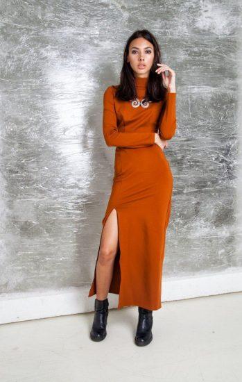 Модный образ с трикотажным платьем