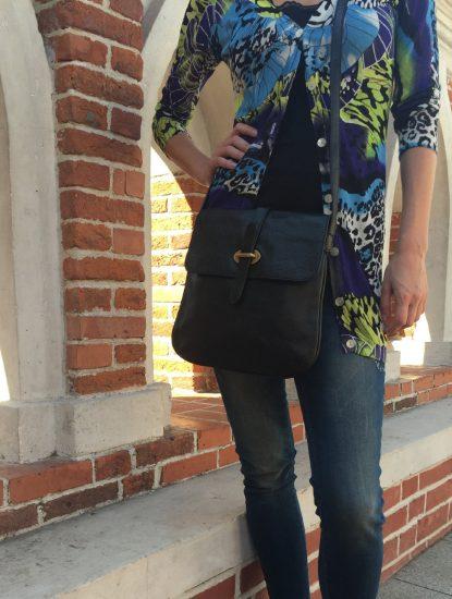 Образ с сумкой-планшетом