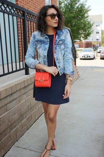Женщина с красной сумкой