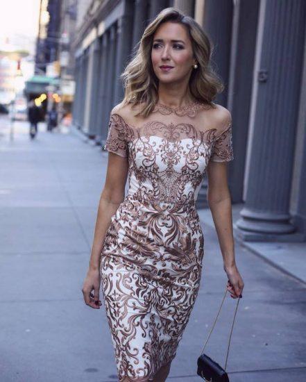 Кружевное коктейльное платье