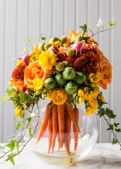 Букет из овощей и цветов