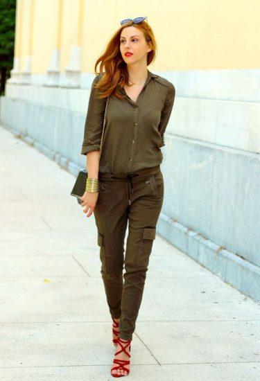 Модный образ с брюками в стиле милитари