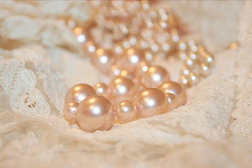 жемжучное ожерелье