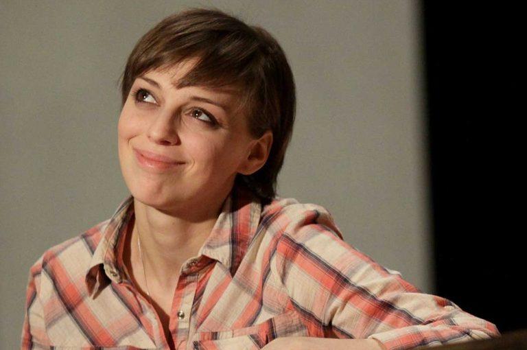 было самые некрасивые актрисы россии фото стеклянным