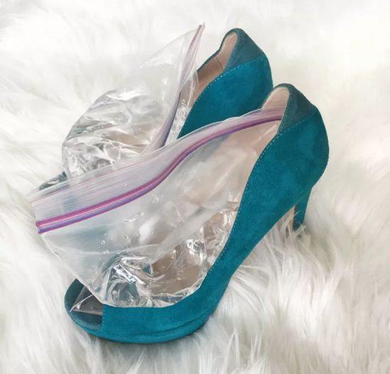 Пакетики с водой в туфлях