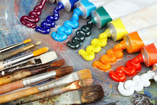 Краски и кисточки