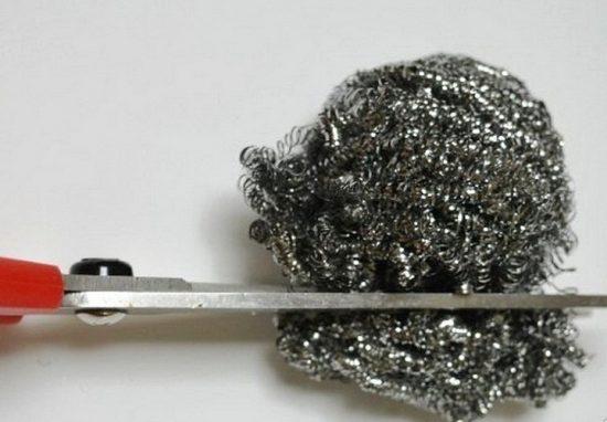Заточка ножниц металлической губкой