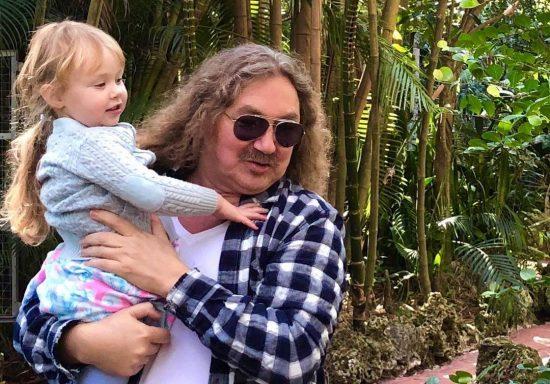 Игорь Николаев с дочкой