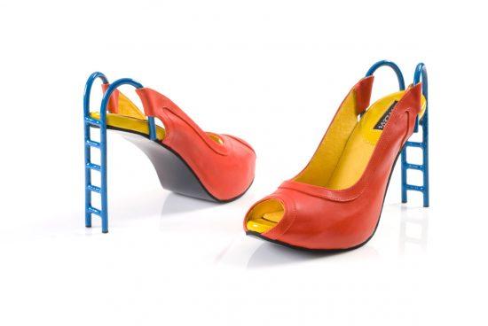 Туфли с каблуком в виде лестницы