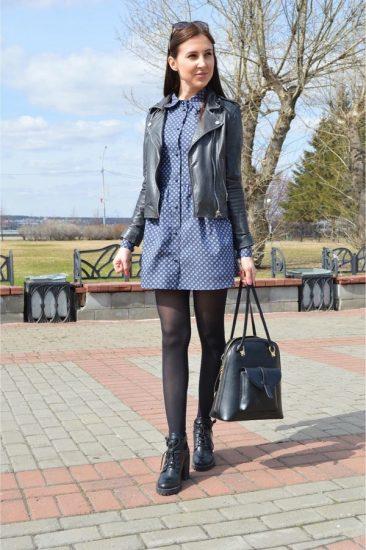 Девушка в кожаной куртке и платье