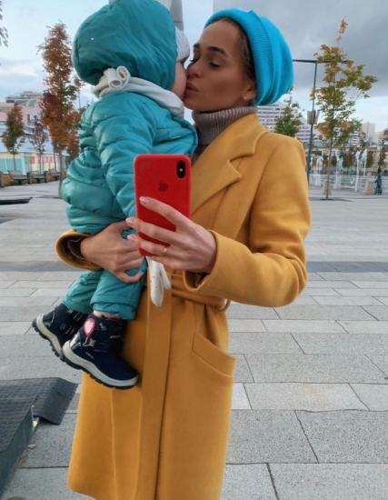 Анна Хилькевич с младшей дочкой