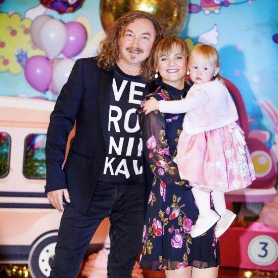 Игорь Николаев с семьёй