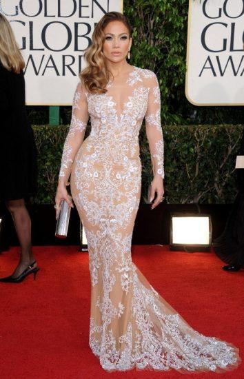 Джей Ло в платье с вышивкой