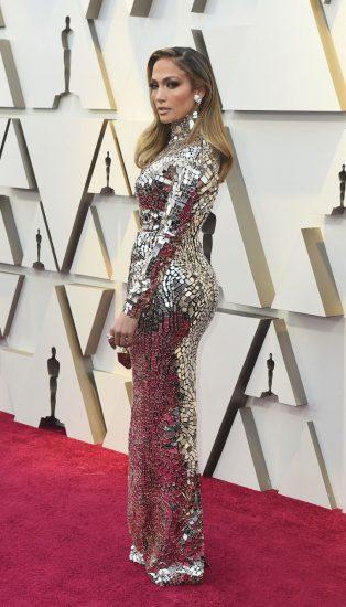 Джей Ло в зеркальном платье