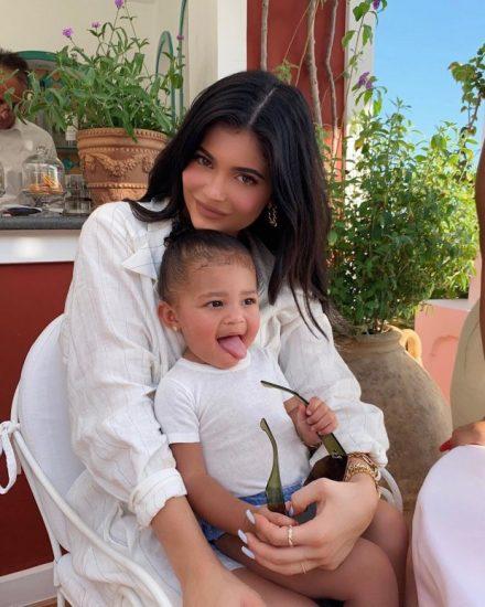 Кейли Дженнер с дочкой