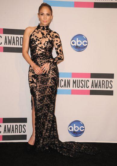 Джей Ло в откровенном платье