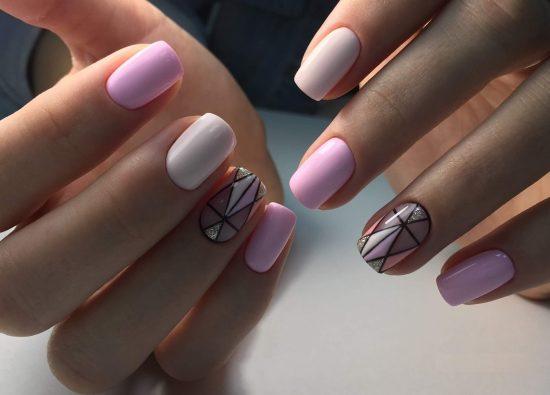 Маникюр с дизайном на двух пальцах
