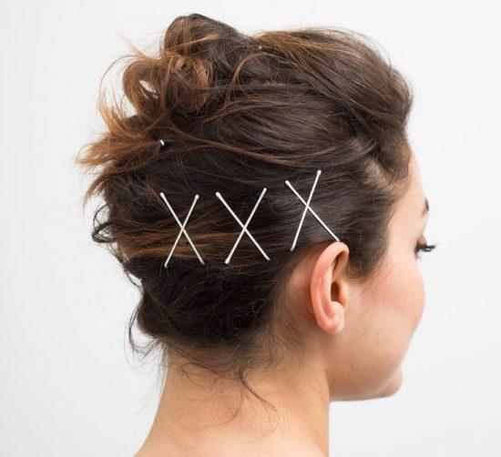 прическа на короткие волосы с невидимками