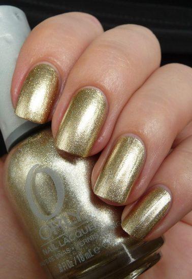 Удачные оттенки лака при светлой коже рук