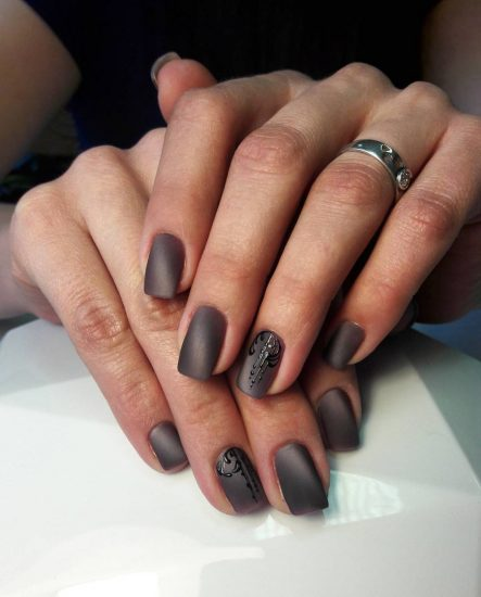 Матовое покрытие на ногтях