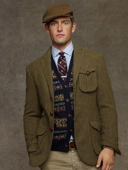 Мужчина в твидовом пиджаке, жилете и кепке гаврош