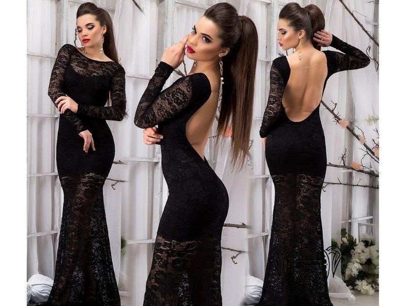 Черное платье с прозрачными вставками и эффектным вырезом на спине